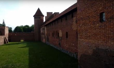 Budowa zamku, a EMC – metafora, zamek w Malborku